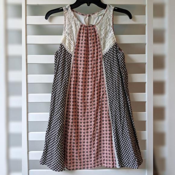 Taylor & Sage Lace & Floral Pattern Dress - Sz Med